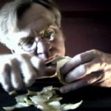 Akustyczne jablko, wideo, 5 min., 1992