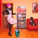Superwoman - sprzątanie