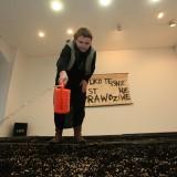 eksperyment z zasiewem i głosem 1, Galeria Manhattan, 16.01.2013 fot. Andrzej Grzelak